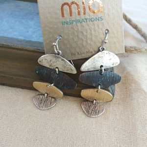 Beautiful hammered multicolor earrings.
